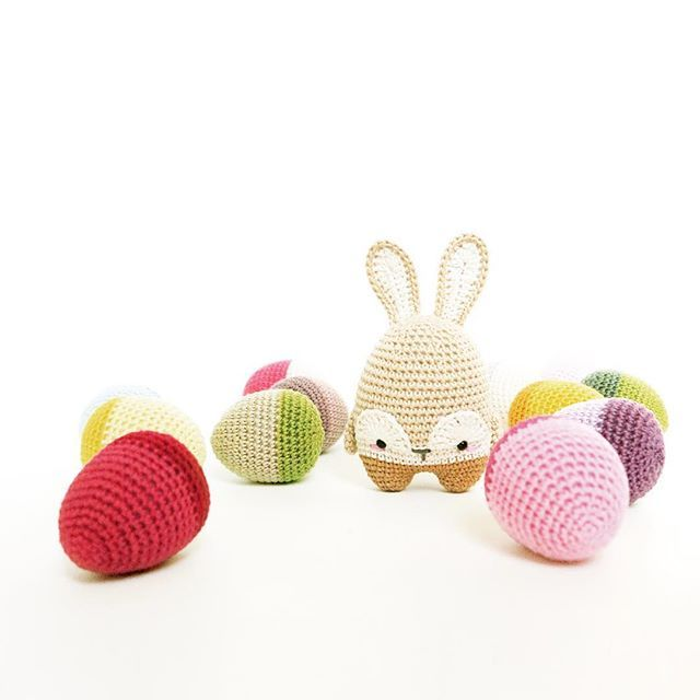 Who\'s egg-cited to do some Easter crochet !? . . For the FREE Easter ...