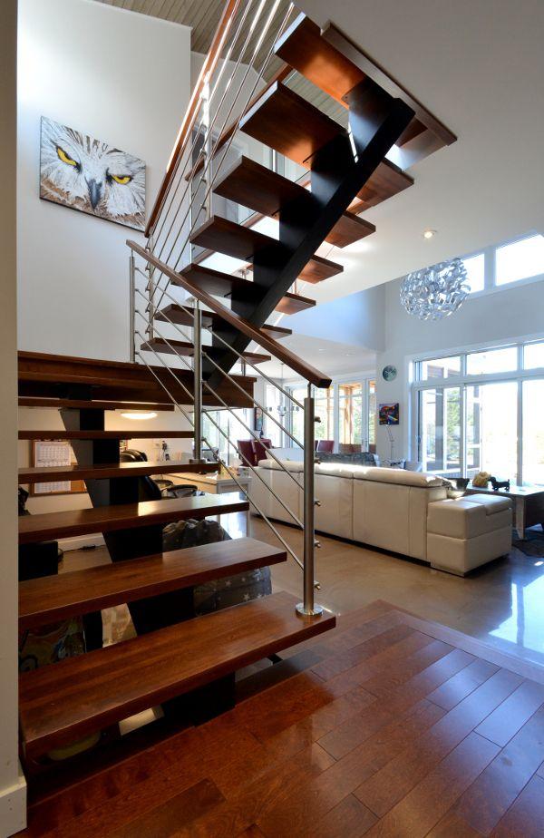 Pin by Marion F on escaliers Pinterest Industrial and Modern - escalier interieur de villa