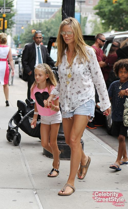 Heidi Klum wearing Birkenstock Gizeh Stone | DRESS the Look