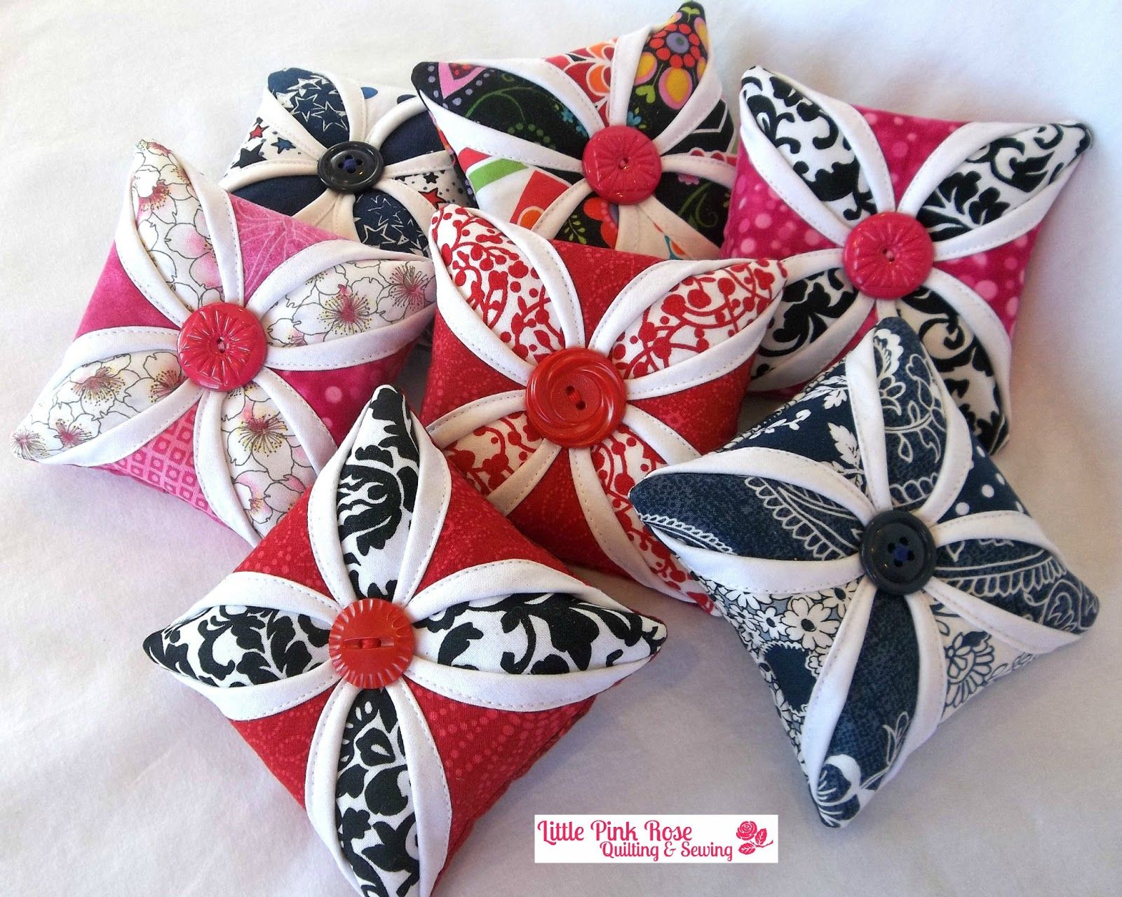 Little Pink Rose Quilting & Sewing Blog: New Pincushions | My ... : quilting and sewing blogs - Adamdwight.com