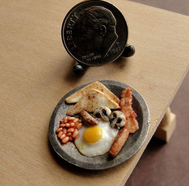 1:6 Dollhouse Miniatures Breakfast Egg Bean Sausage Food on Plate Barbie 10