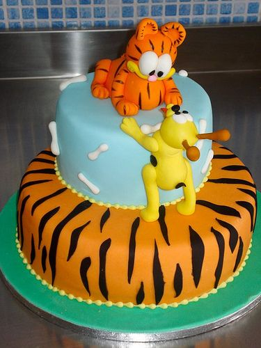 Outstanding Garfield Cakes With Images Garfield Cake Cake Fantasy Cake Personalised Birthday Cards Veneteletsinfo