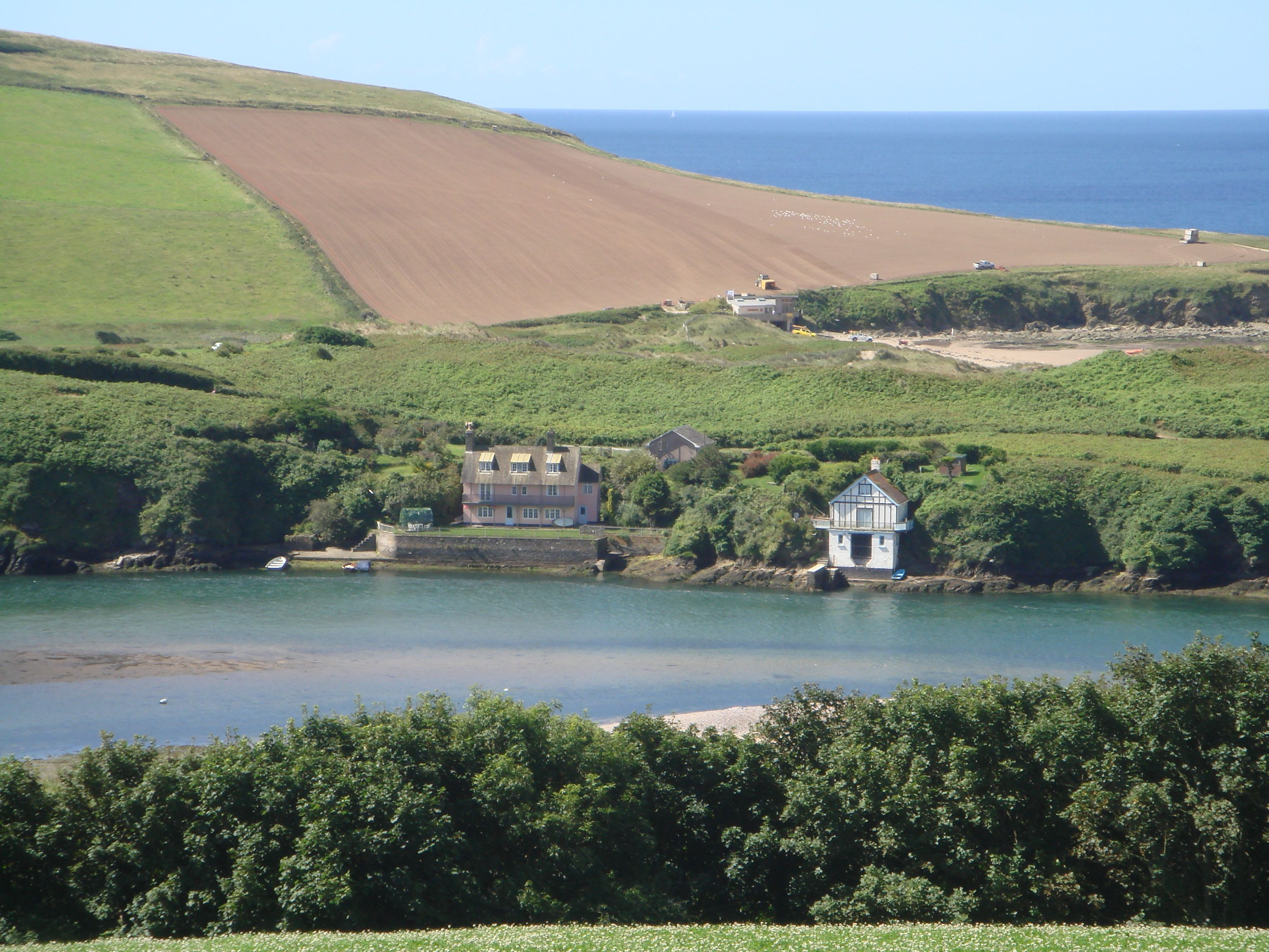 Bantham Boat House And River Avon Holiday Cottage Holiday Home Outdoor