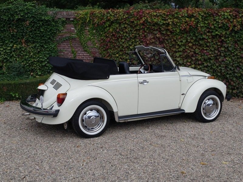 vente voiture ancienne de collection volkswagen coccinelle 1600 convertible petite annonce. Black Bedroom Furniture Sets. Home Design Ideas