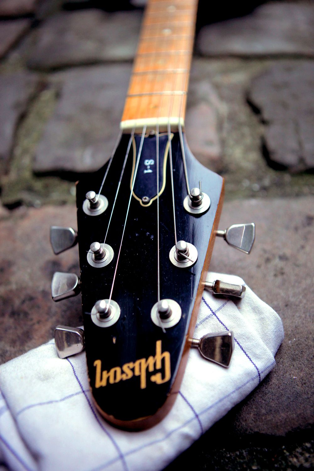 hight resolution of gibson s1 headstock
