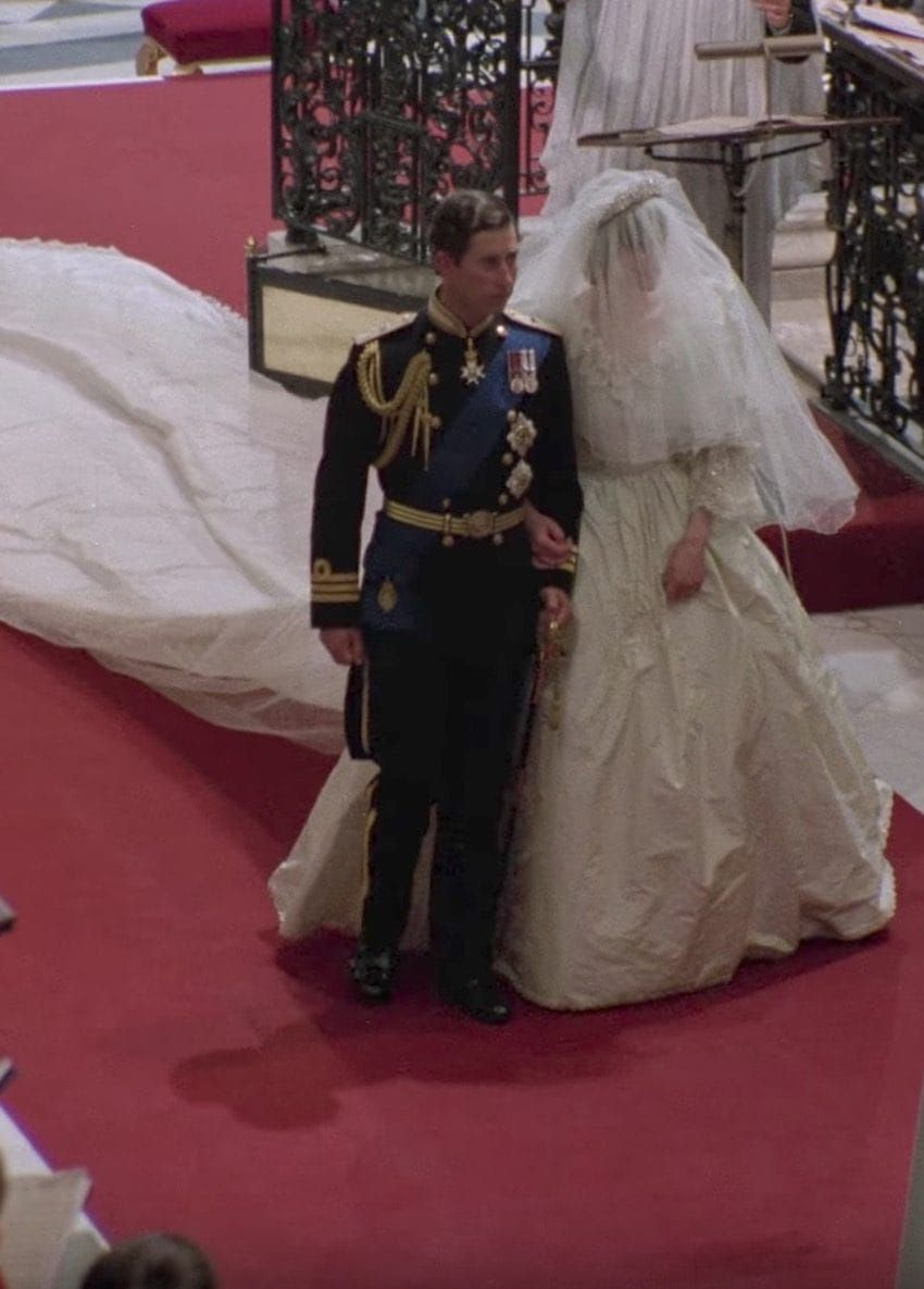 11 Facts Behind Princess Diana S Wedding Fashion And 3 Ways Kate Followed In Her Footsteps Princess Diana Wedding Diana Wedding Princess Diana Wedding Dress [ 1185 x 850 Pixel ]