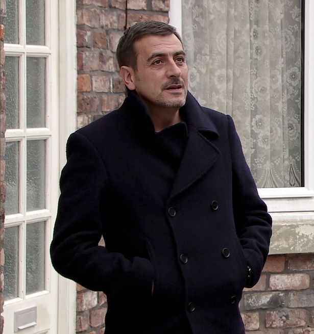 Coronation Street stars Chris Gascoyne and David Neilson look unrecognisable in theatre production - Mirror Online