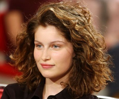 Coiffures cheveux mi longs bouclés Coiffures Coiffures