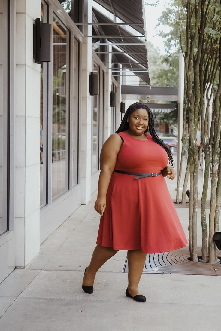 The Best Plus Size Workwear for the Office - From Head To Curve #plussizeworkwear  #plussizeworkoutfits #plussizeworkdresses #plussizedresses