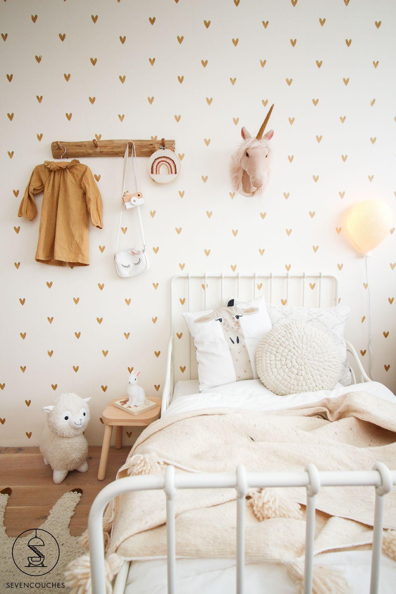 De vintage meidenkamer van Amélie #girlsroom #kwantum #bohemian #behang