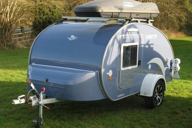 Trailers in a teardrop-shape are not a contemporary idea. Such vehicles were already popular in the United States in the '50s of the last century. Usually, these were just the constructions ...