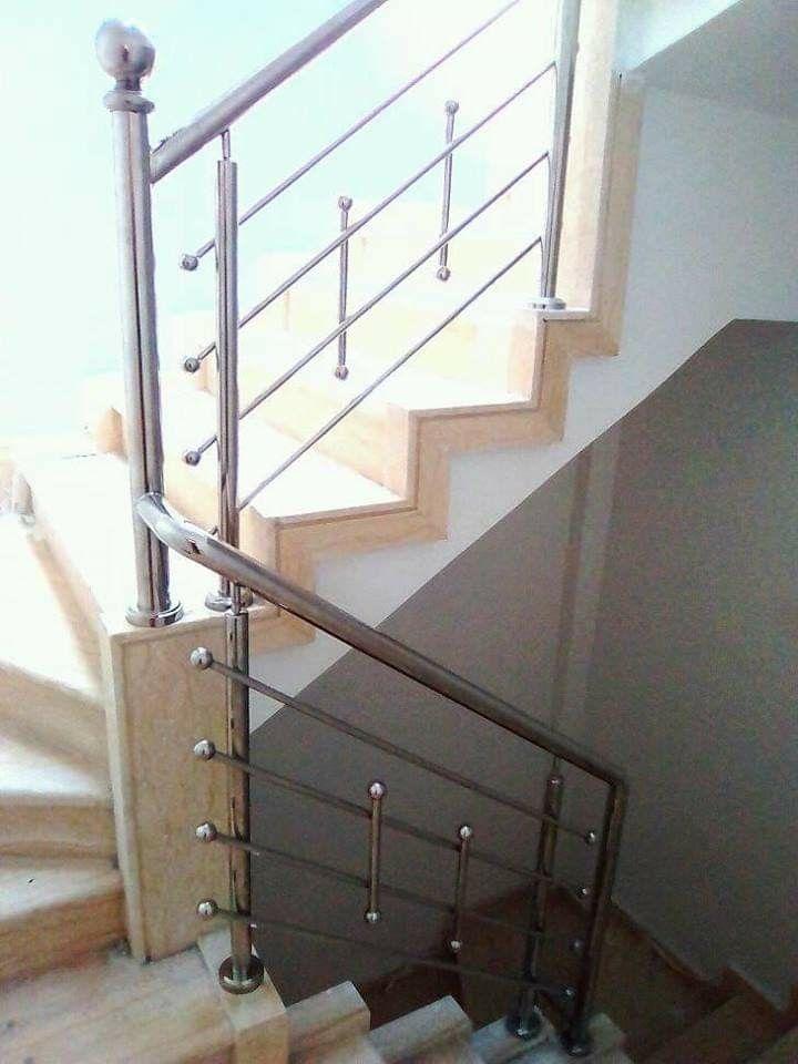 Pin By Leonela Candia On Railing Design Steel Railing Design Stainless Steel Stair Railing Balcony Grill Design