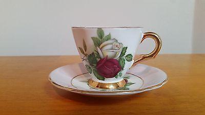Windsor China de hueso de la taza de té y platillo W rosa / rojo y blanco de las…