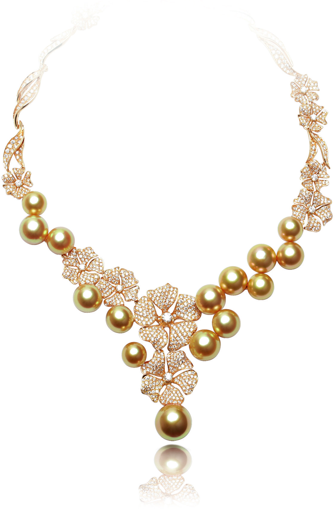 South Sea golden pearl, diamonds and 18k yellow gold necklace.