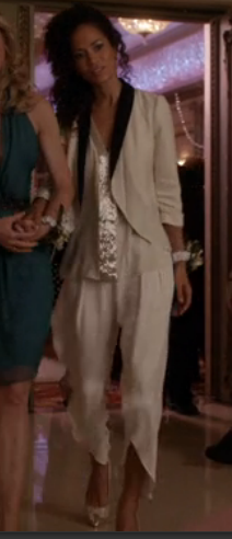 the best screenshot I could get of the outfit... still doesn't do it justice! Those pants are amazing!