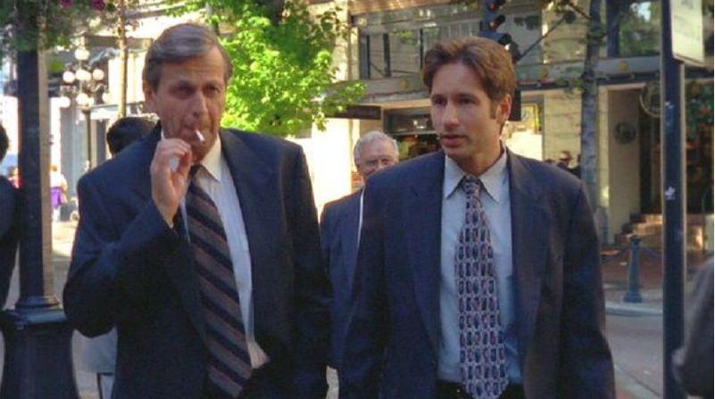 Smoking Man and Fox Mulder.