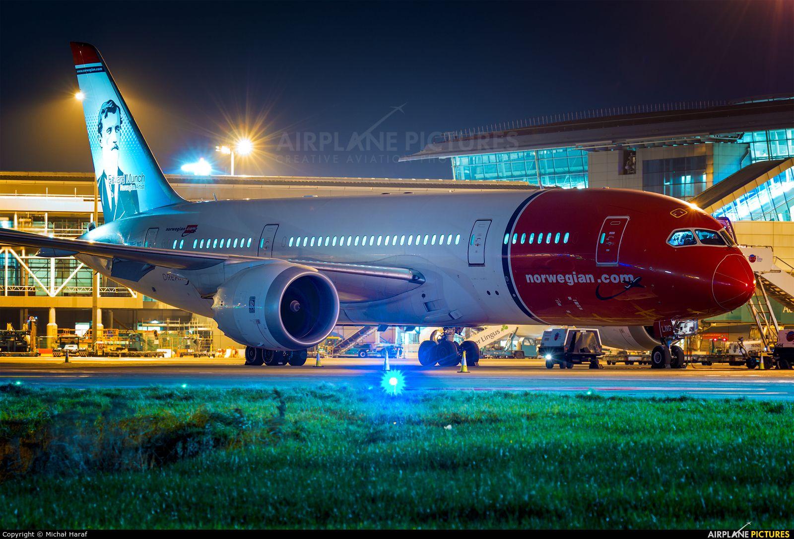 Norwegian Long Haul LNLNG aircraft at Dublin photo