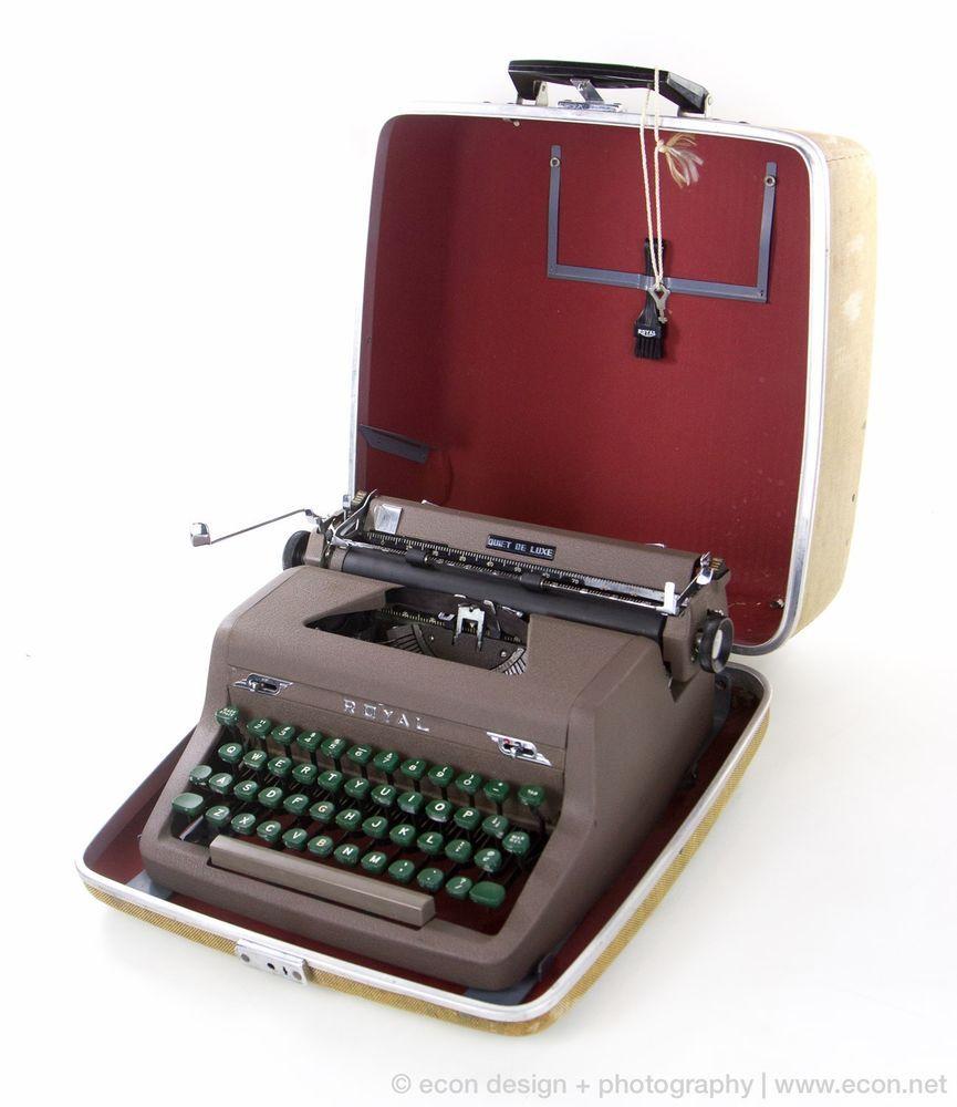 Vintage Royal Portable Typewriter Part - 23: Vintage ROYAL Quiet DeLuxe Portable Typewriter 1940s Case U0026 Key Tested  Excellent