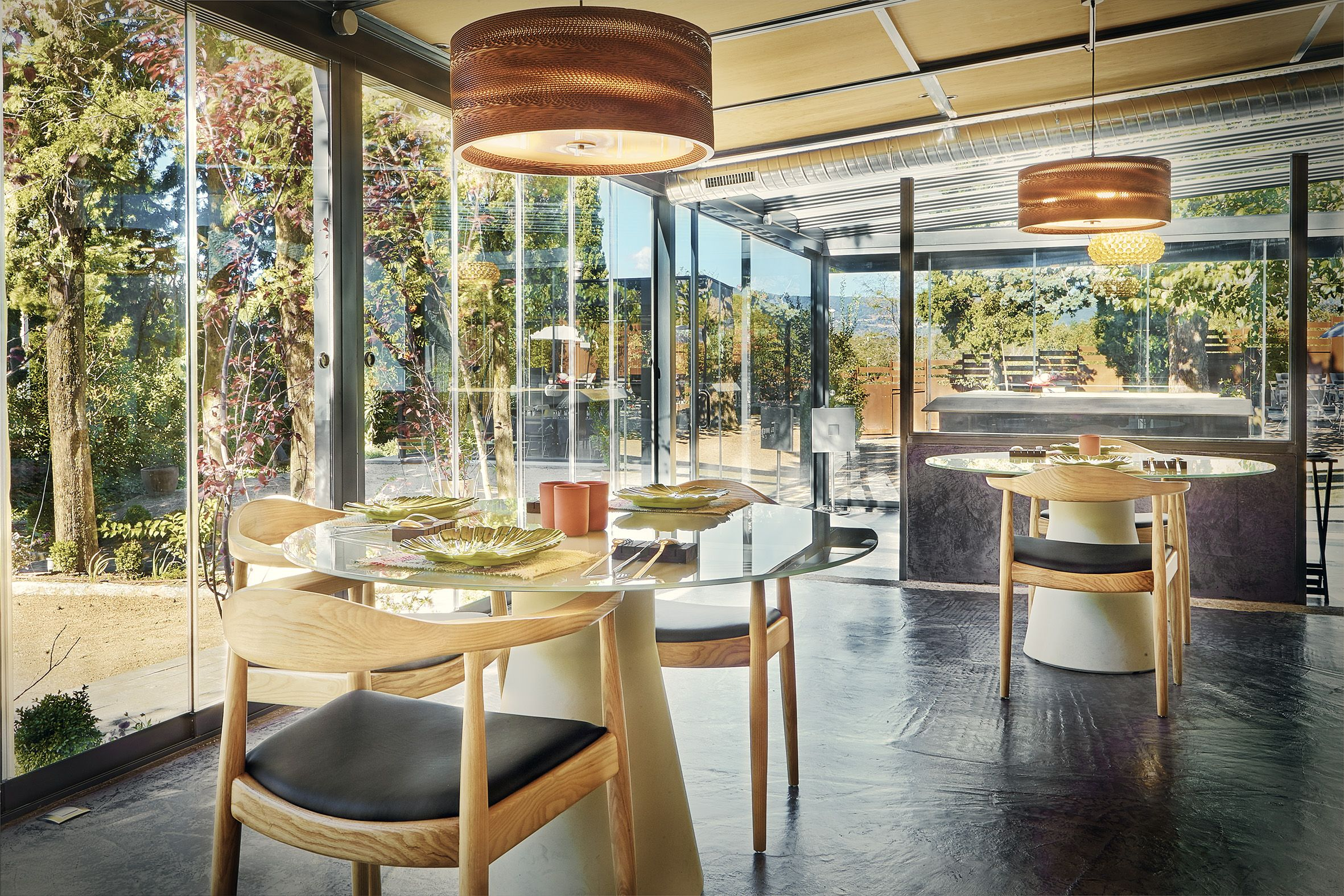 Restaurante el invernadero de rodrigo de la calle en for Estudio interiorismo madrid