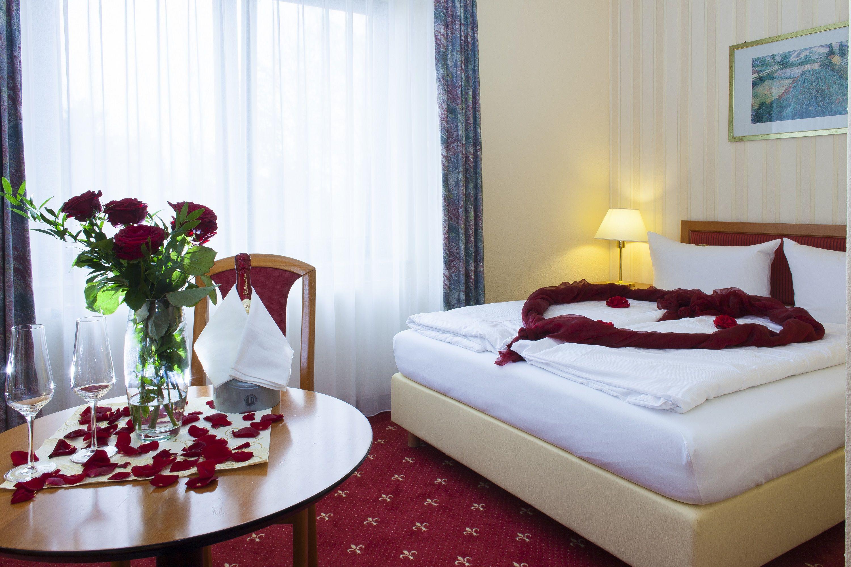 Es erwarten Sie 48 helle und stilvoll eingerichtete Zimmer mit Blick ...