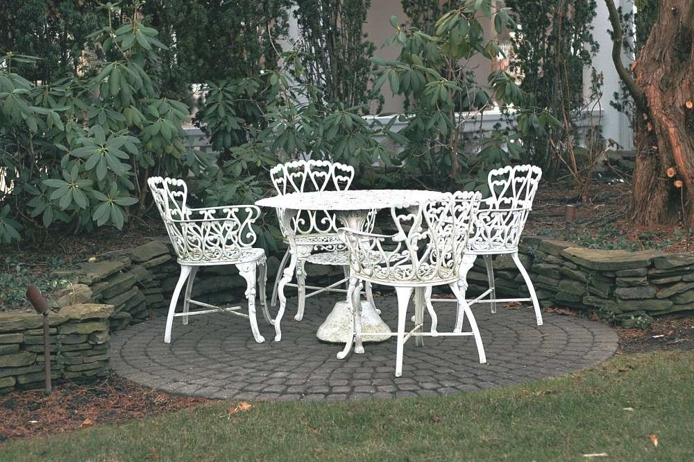 White Iron Patio Furniture Wrought Sets Family Decorations