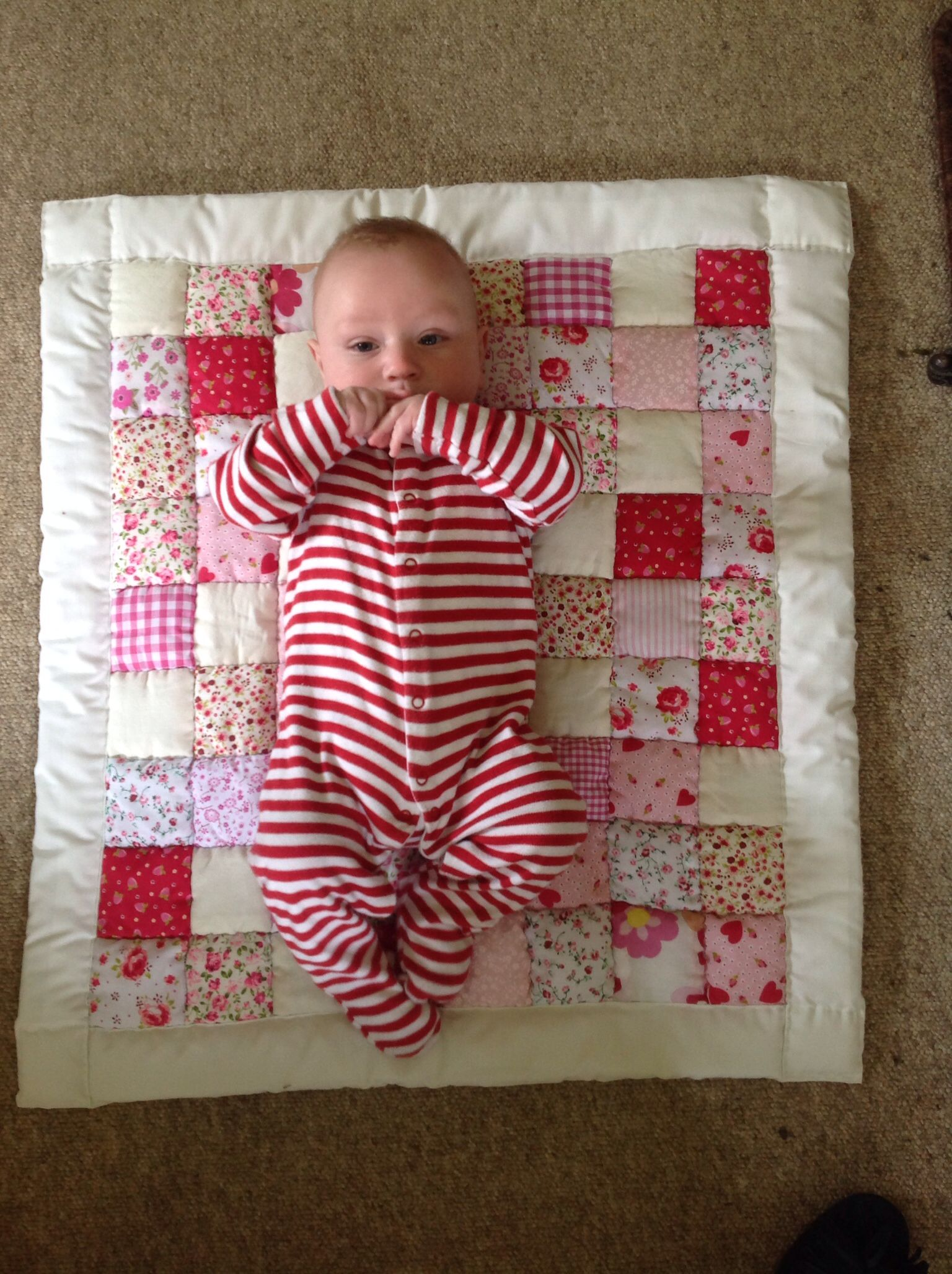 Red/pink quilt