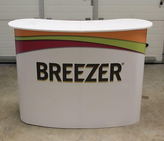 Iso messupöytä Breezer Hae tarjousta eri kokoisilla pöydille: http://www.liikelahja-toimisto.fi/fi/messupoyta/20575/Messup%C3%B6yt%C3%A4+Iso-STKONVS.html