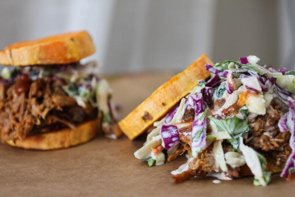 BBQ Pork Sandwiches mit Koriander Limetten Krautsalat – Essen in der Höhe #cilantrolime …