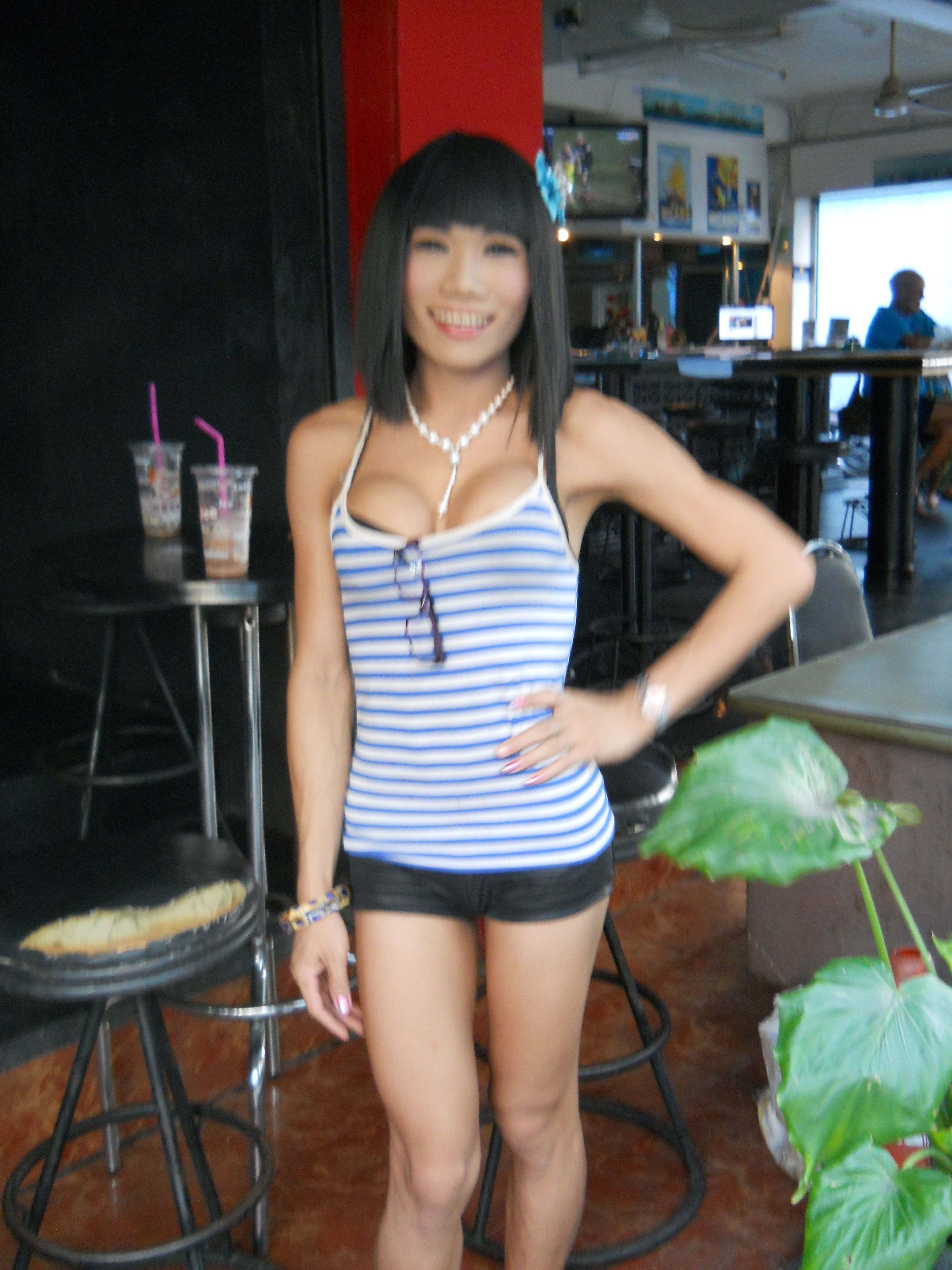 Bar ladyboy pattaya-8246