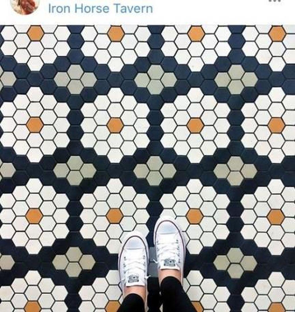 Nice 40 Adorable Mosaic Floor Ideas For Interior Design Wohnzimmer Dekoration Schlafzimmer Hausdekor Tiled Hallway Mosaic Flooring Hallway Tiles Floor