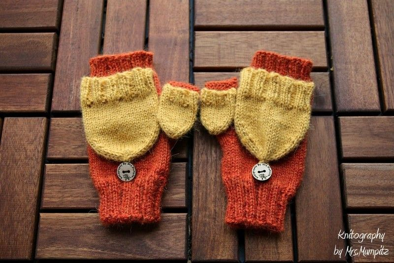 Convertible Mittens with thumb flap knit pattern