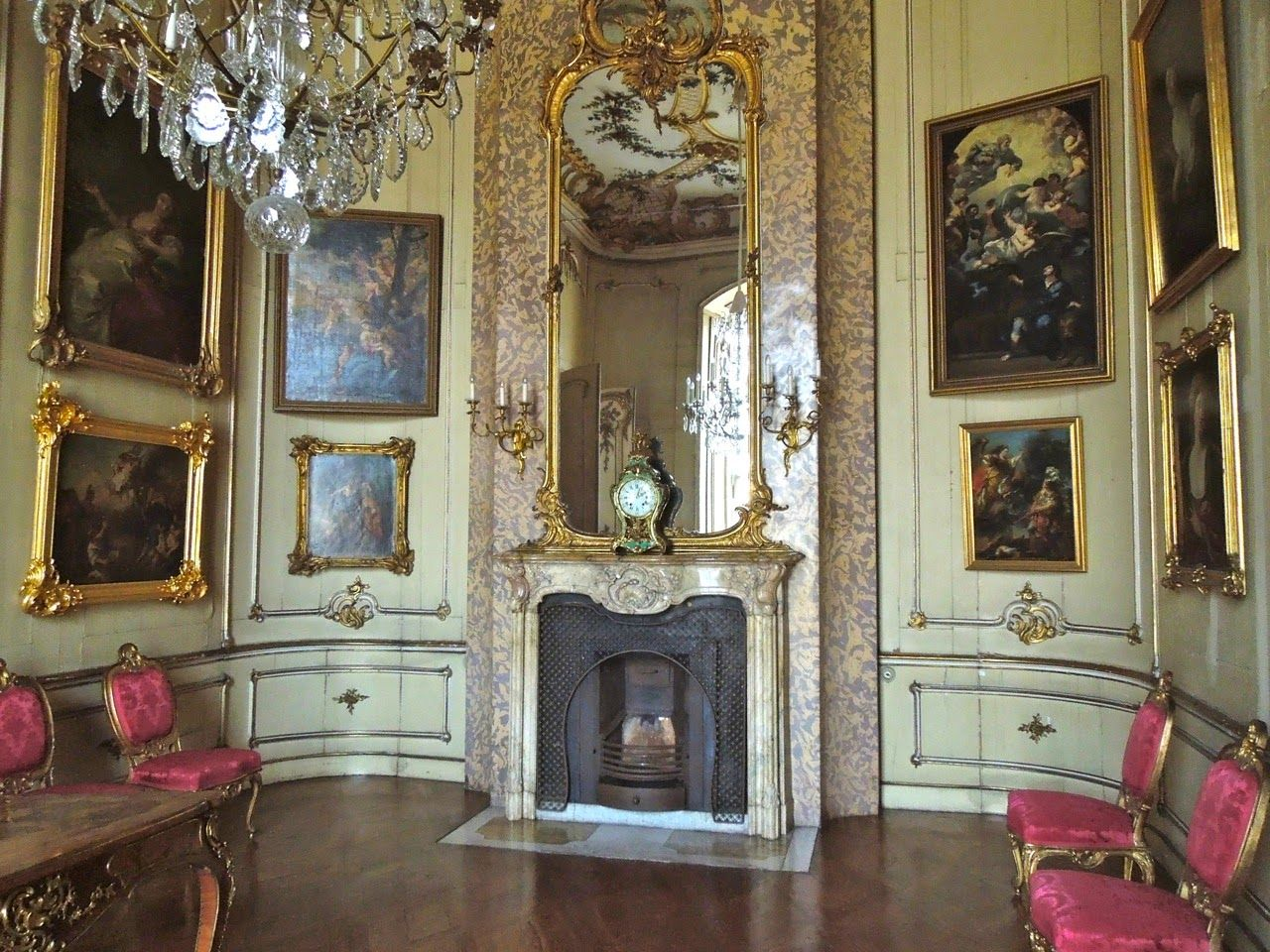 visitors to versailles french interior french style and. Black Bedroom Furniture Sets. Home Design Ideas