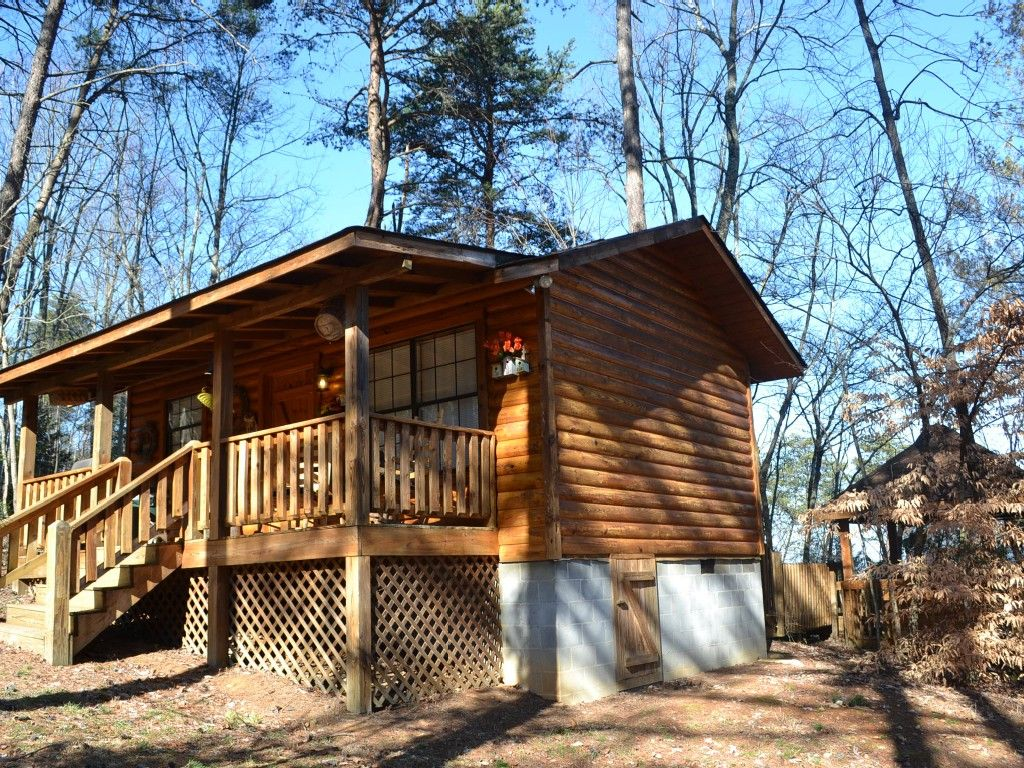 Cabin vacation rental in Sevierville, Tennessee, United