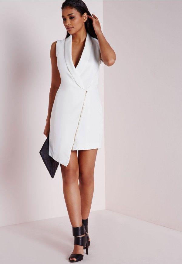 robe blazer sans manches en cr pe blanche robe hiver pinterest blazer sans manches blazer. Black Bedroom Furniture Sets. Home Design Ideas