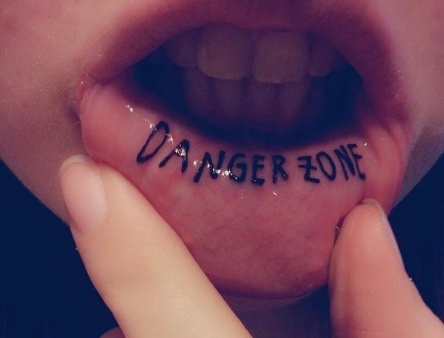 20 Fotos De Tatuajes En El Labio Inferior Tattoos Tatuajes De