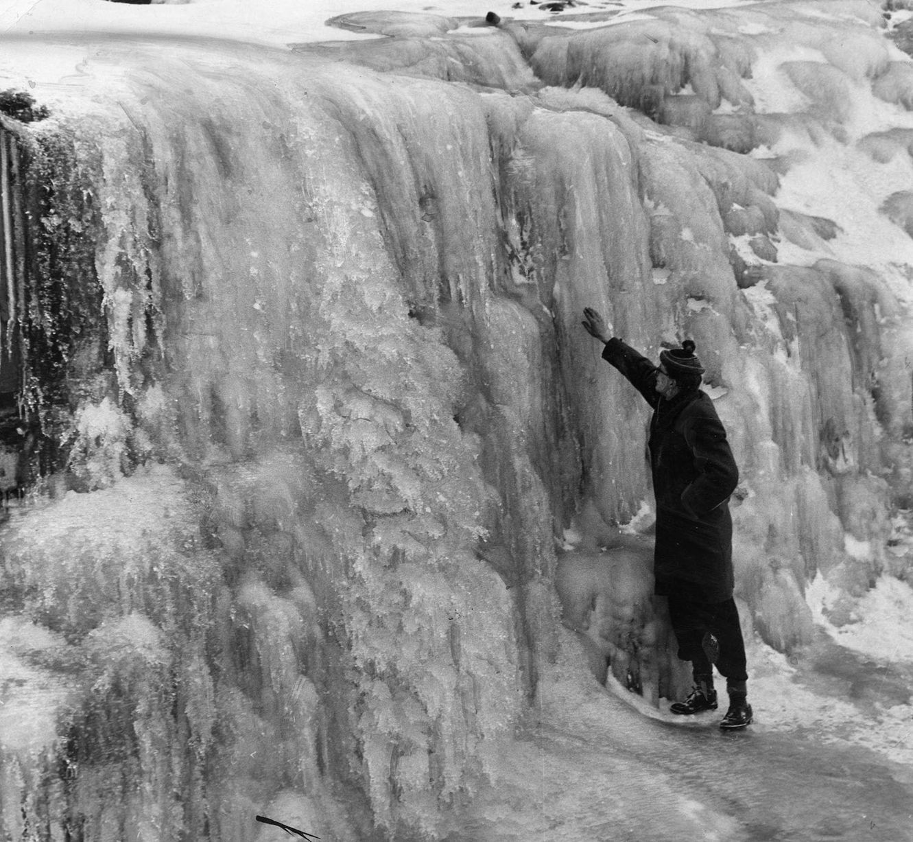The snow of 1963 Mirror Online Big freeze, Powerful