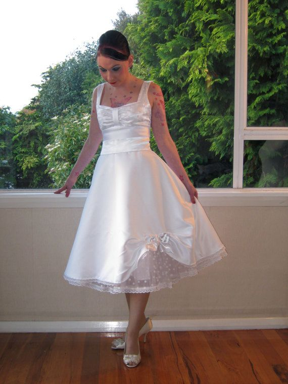 White Pin Up Wedding Dress - Ocodea.com