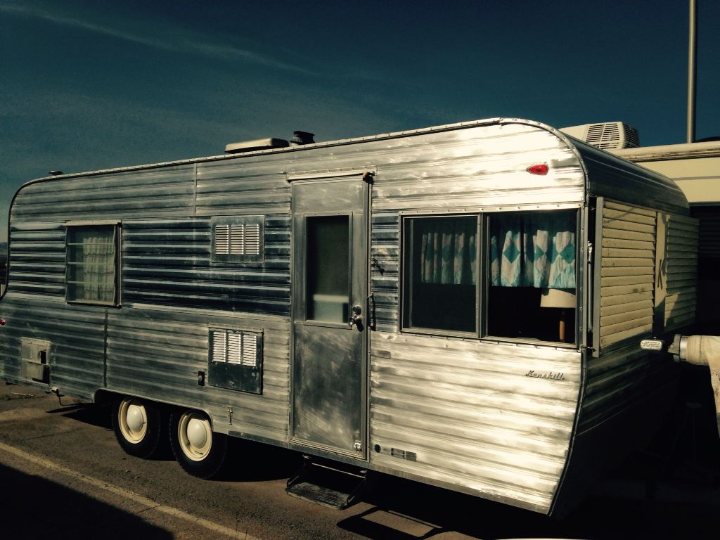 1964 Kenskill Travel Trailer 23 Foot Approximately 3500 Lbs Dry