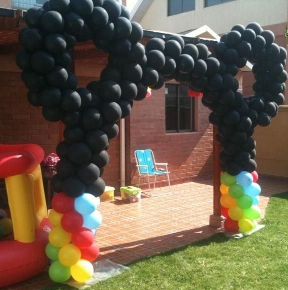Decoracion con globos para fiestas infantiles de mickey for Decoracion simple con globos
