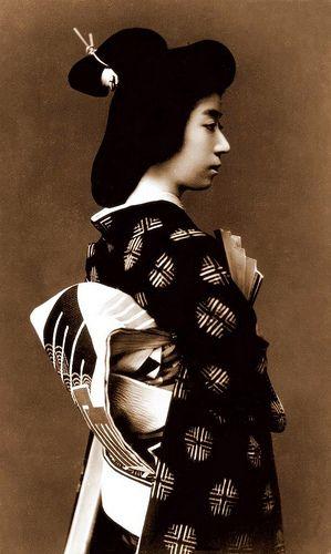 A young geisha ca. 1910-25