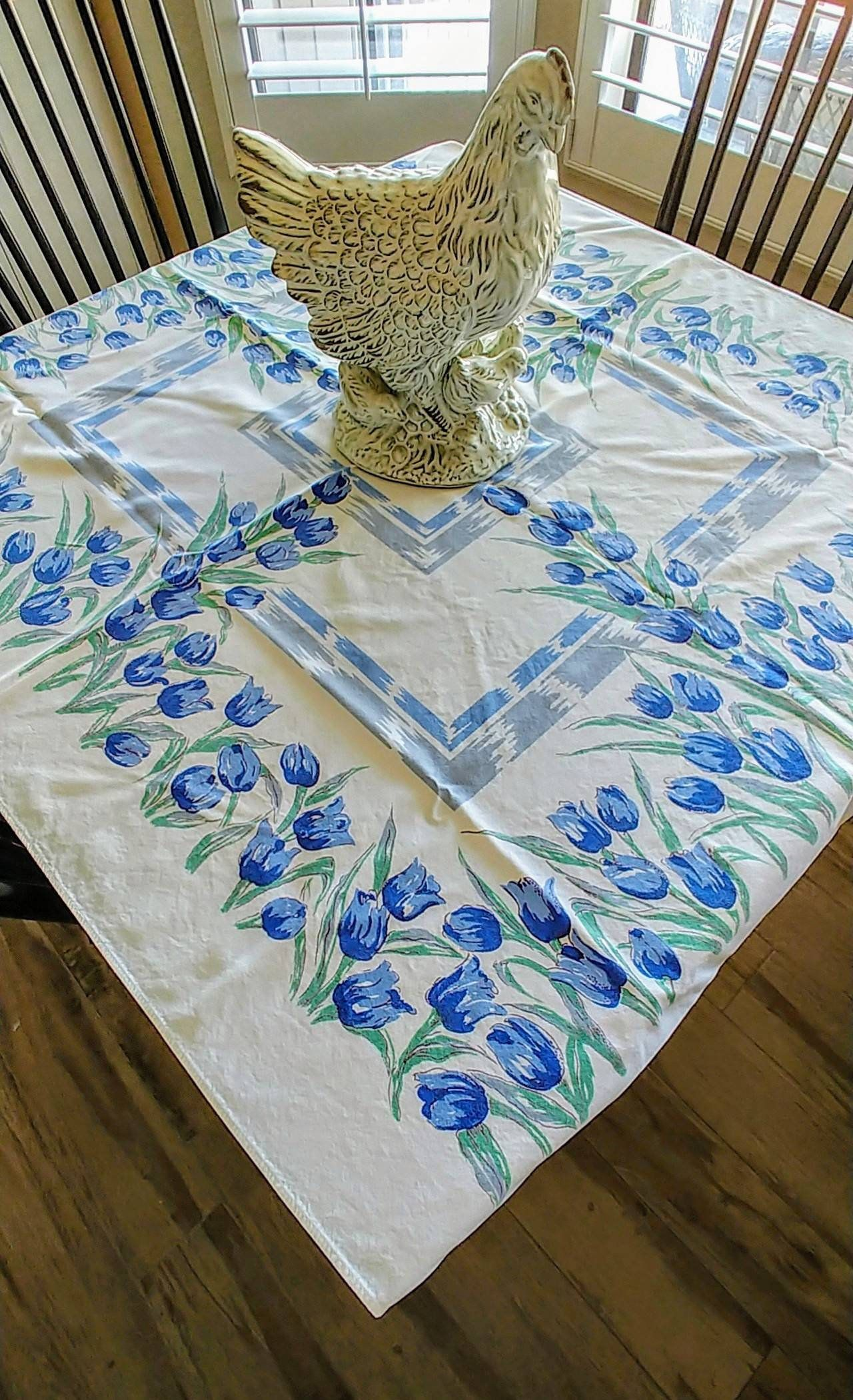 Adorable Vintage 1940 50 S Easter Farmhouse Tablecloth White With Blue Tulips Print Rectangle 51 X 43 Inches Perfect For Tea Party In 2020 Farmhouse Tablecloths Blue Tulips Tulip Print