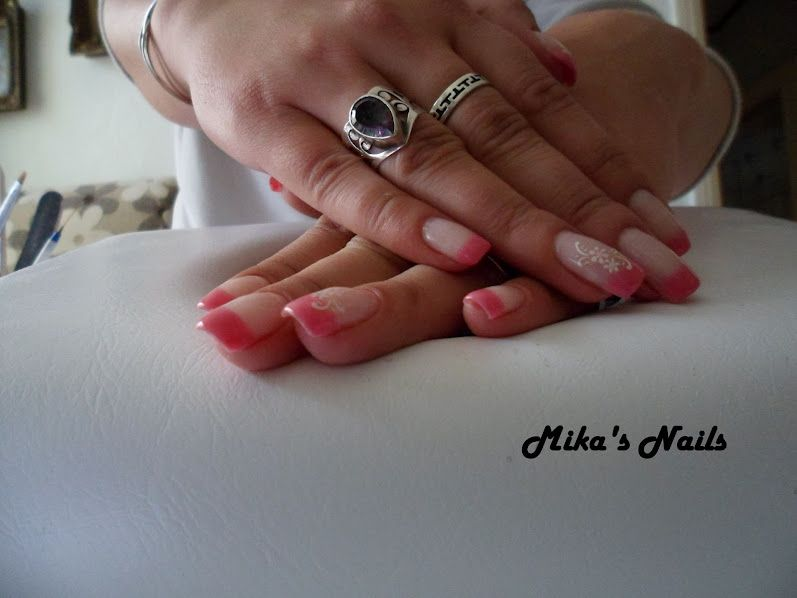 Unghii cu gel/ Uv gel nails I love how the thumb and ring