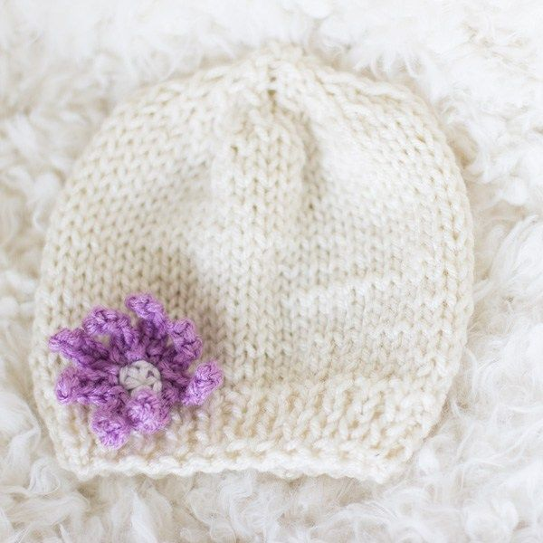 Knit Baby hat for beginners - Free Pattern | Puntadas y Puntos
