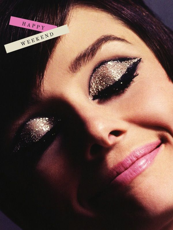 Dramatic makeup is a must! #eyeshadow #glitter