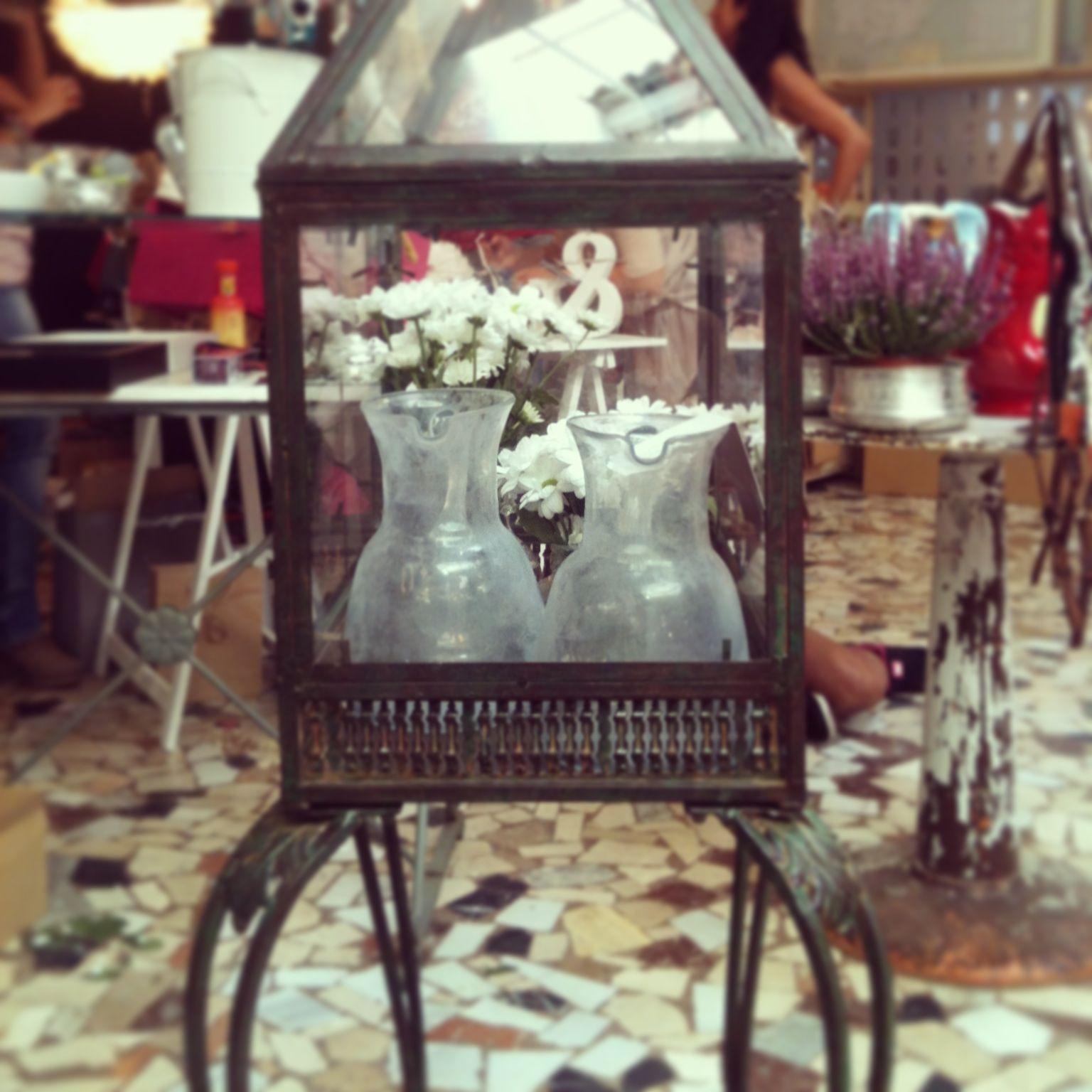 Los jarrones de vidrio soplado hechos a mano en Siria, disponibles en #DecorAccion2013 #compras #madrid #spain #siria #viloop #decoracion