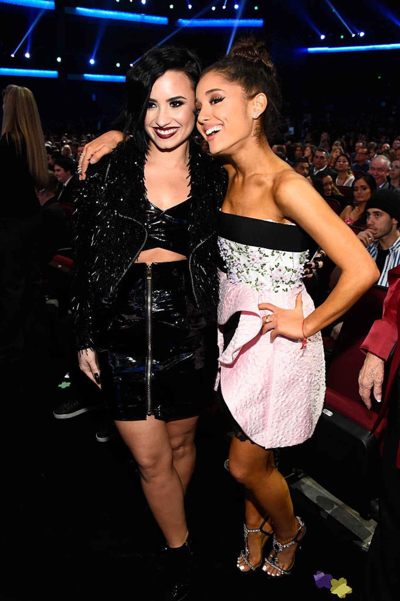 Así festejó Ariana Grande a Demi Lovato por su cumpleaños número 27
