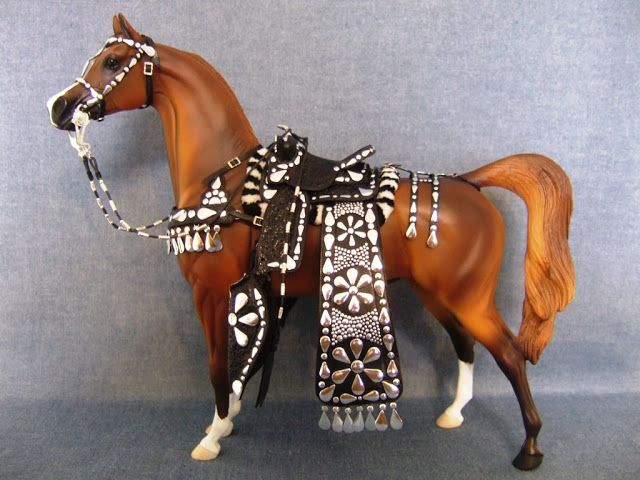 Marilyn's Hobby : Model Horse Western Tack, Showing and Judging Model Horse Shows