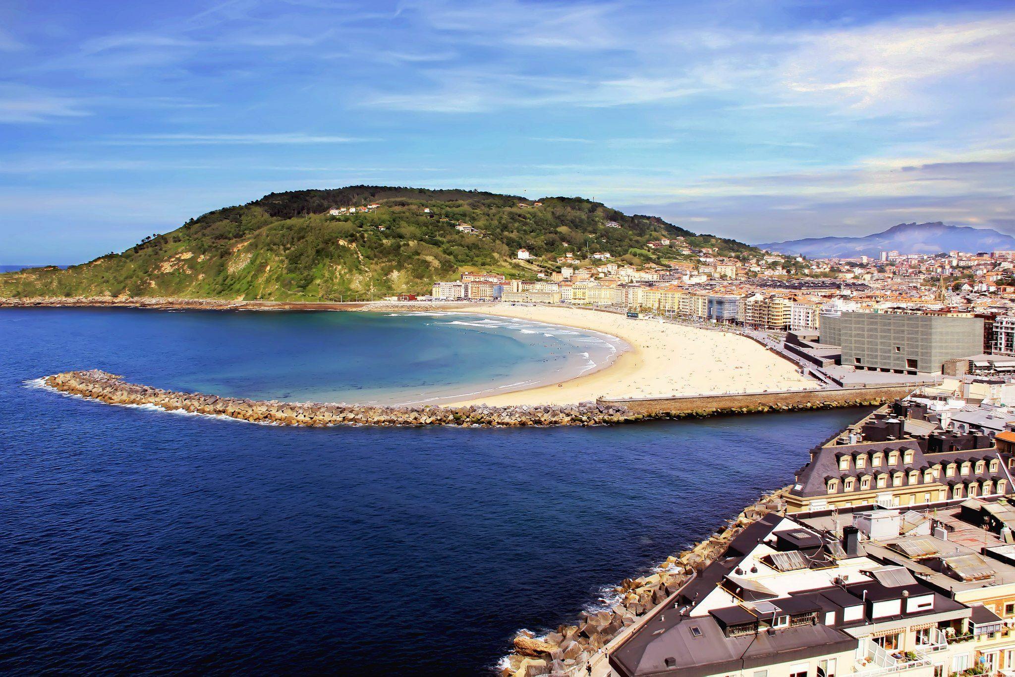Playa de la Zurriola. Donostia San Sebastián Foto de Kosty http://on.fb.me/1ln5HDe