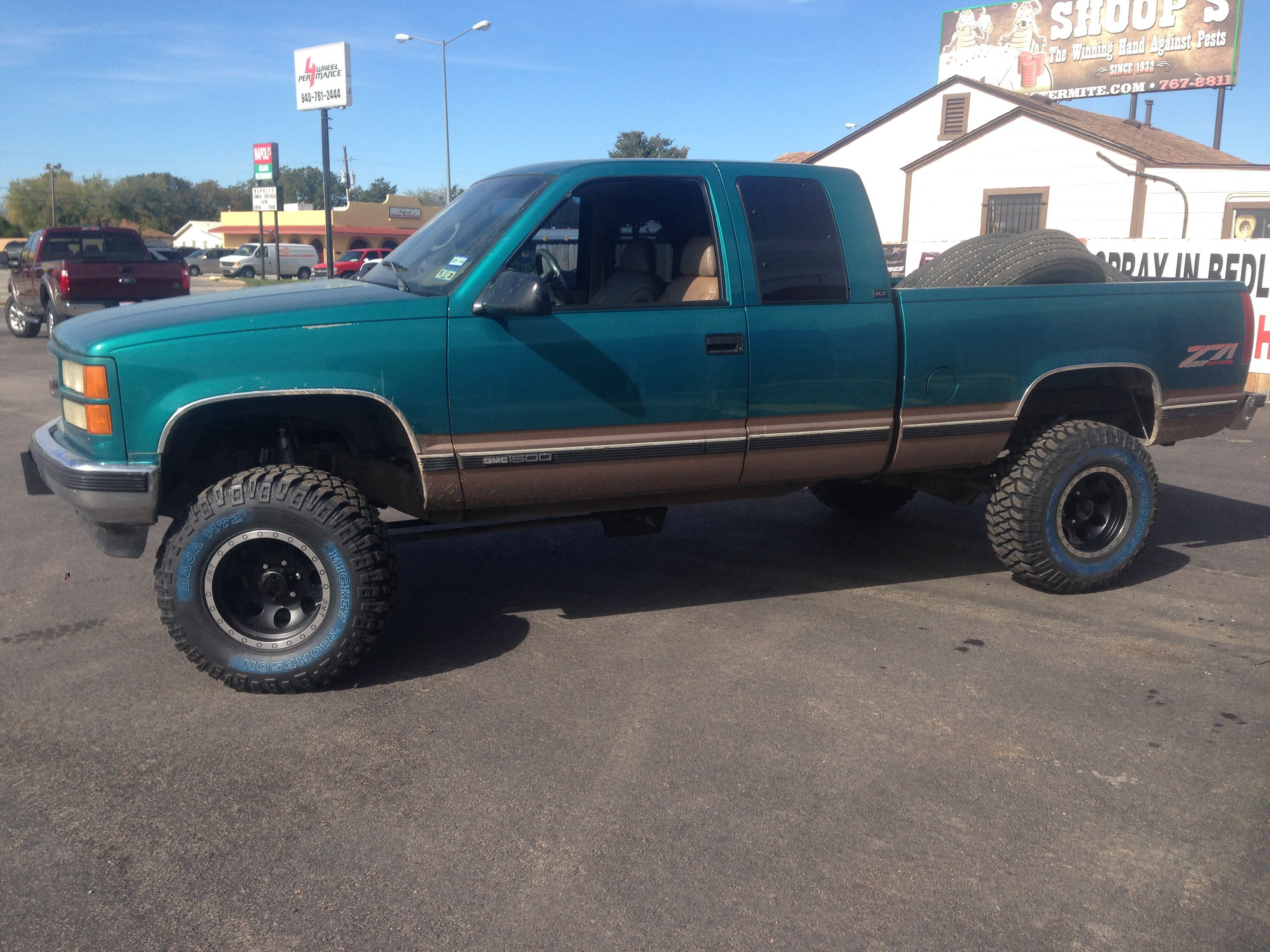 1995 Gmc 1500 Z71 6 Rough Country Lift 16 Mickey Thompson Wheels 33 Mickey Thompson Tires Chevy Trucks Silverado Chevrolet Trucks Chevy Trucks