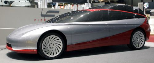 http://chicerman.com  carsthatnevermadeit:  Fioravanti Thalia Concept 1997. A design study for a fuel-cell powered estate car featuring raised rear seats to give rear passengers an improved view  #cars